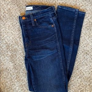 Madewell 10 inch high rise skinny jeans. 25. Dark